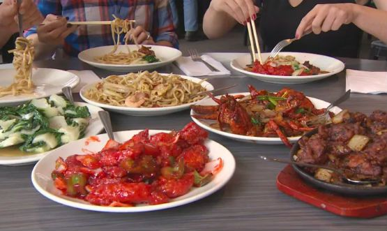 Table of Chinese food